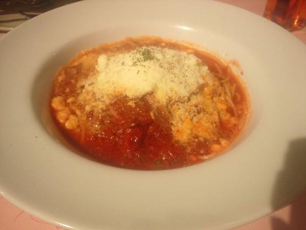 トマトとチーズとガーリックのスパゲッティ