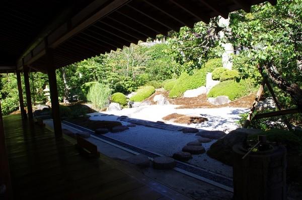 浄妙寺、枯山水の庭園