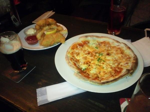 フィッシュアンドチップス&ピザ