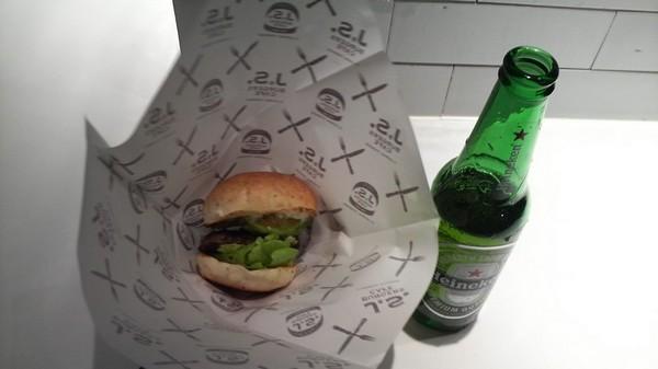 ハイネケンとハンバーガー