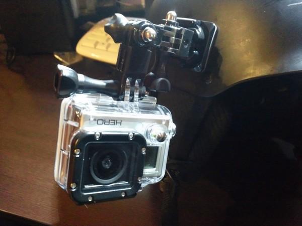 GoProをメットにマウント