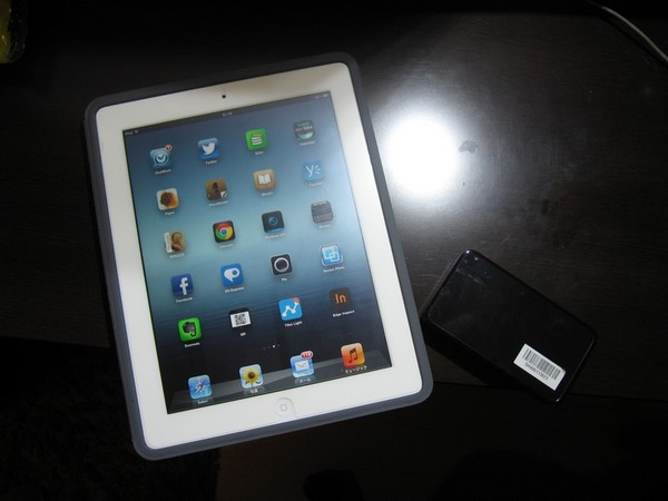 iPad (3rd)64GB&Wi-Fi WALKER DATA08
