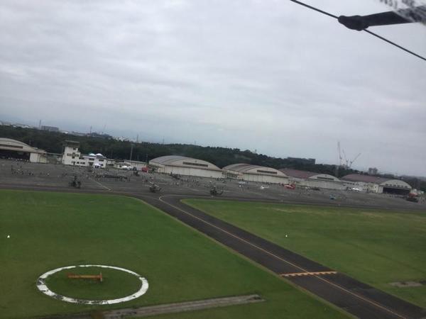 CH-47チヌークからそとを見る