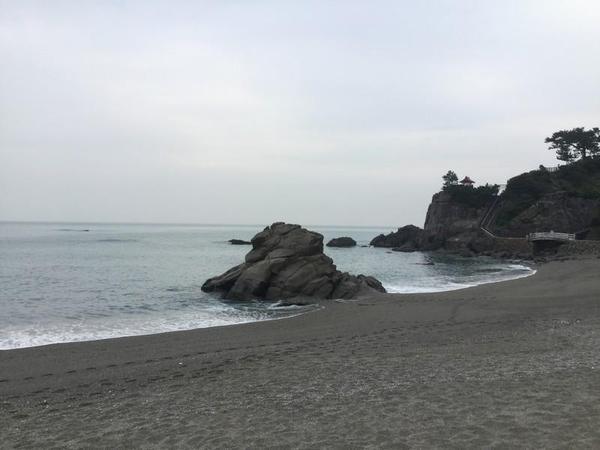 桂浜を歩く