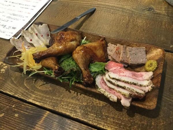 横須賀ビールの肉盛り