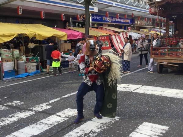 横須賀のお祭り 獅子舞と思った?残念、馬でした。