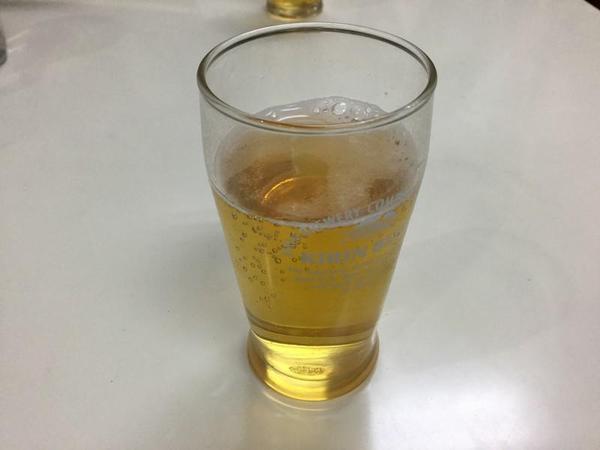 久里浜のあじのやでビールを飲む